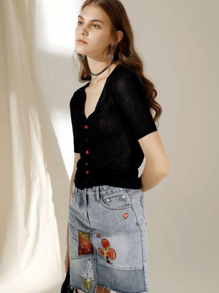 西蔻女装品牌2020春夏新款纯色v领性感上衣