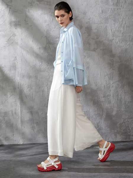 素匠女装品牌2020春夏新款蓝色薄外套