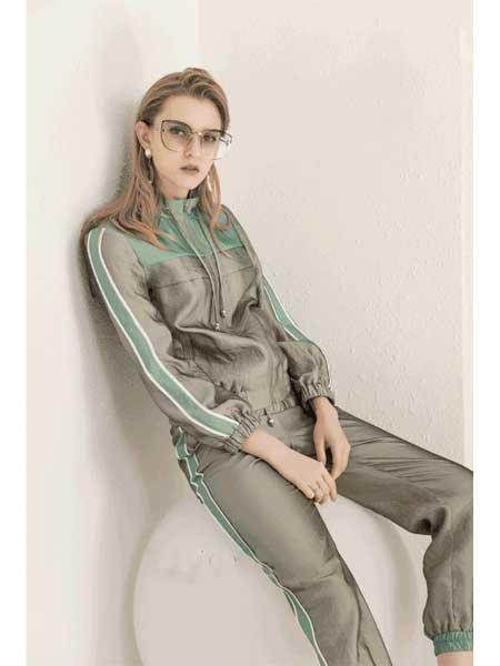 珞娜女装品牌2020春夏新款拼接色运动外套