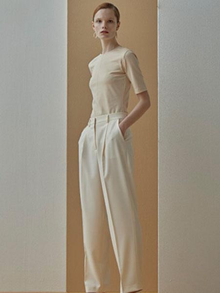 艾匹思女装品牌2020春夏新款纯色气质针织短袖上衣