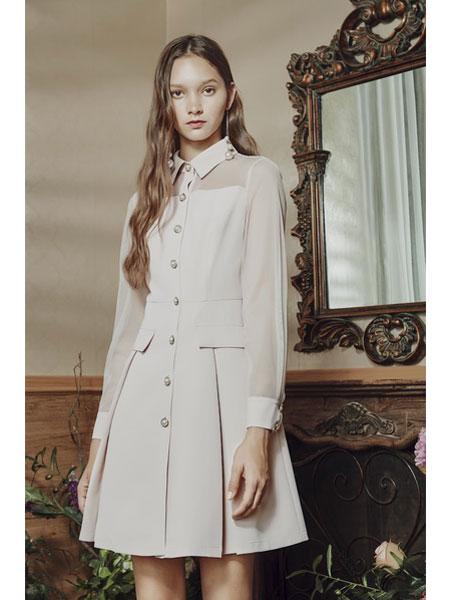 保时霓女装品牌2020春夏新款高领纽扣连衣裙