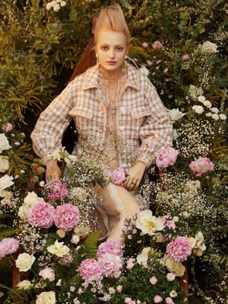 威杰思-VJC女装品牌2020春夏新款纯色千鸟格外套