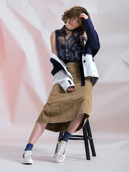 无轨女装品牌2020春夏新款拼接色气质外套