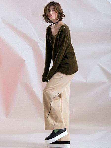 无轨女装品牌2020春夏新款纯色圆领气质长袖上衣