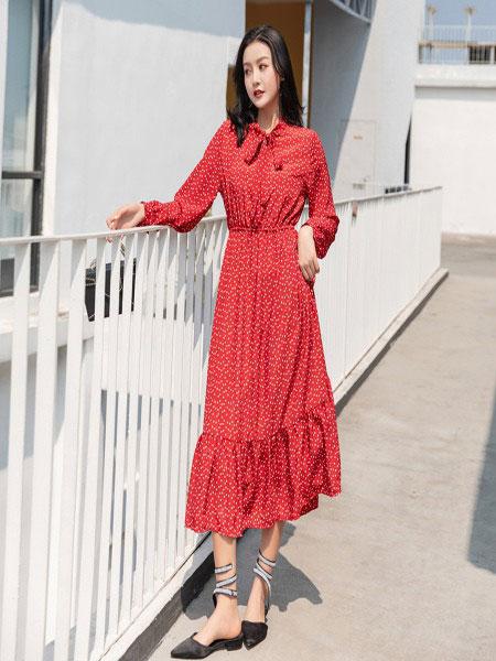B P(Bella Party)女装品牌2020春夏新款纯色蕾丝性感连衣裙