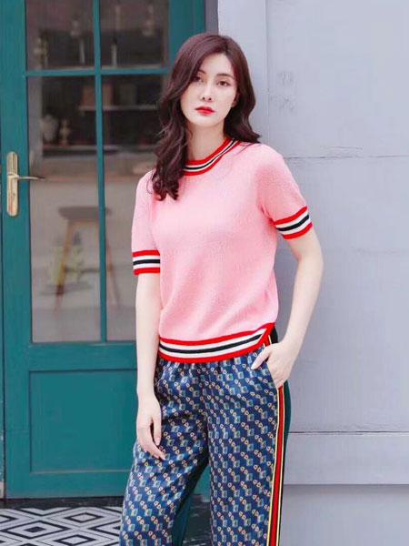 季候风女装品牌2020春夏新款纯色条痕短袖上衣