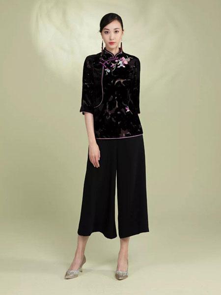 龍笛女装品牌2020春夏新款复古绣花短袖上衣