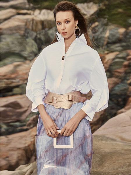 迪卡轩女装品牌2020春夏新款纯色真丝气质短袖上衣