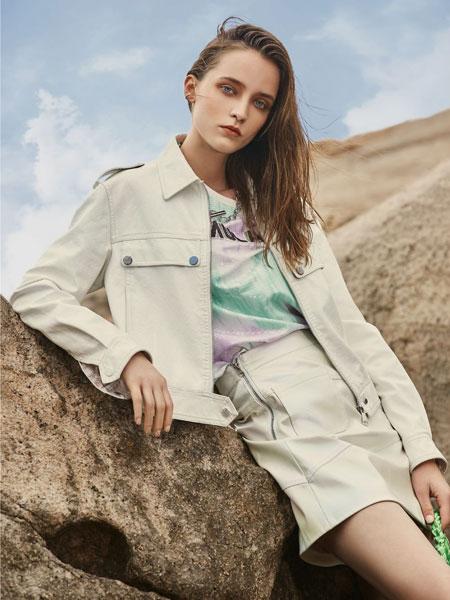 迪卡轩女装品牌2020春夏新款纯色个性气质套装