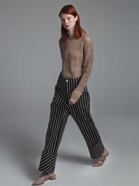 Moises Nieto国际品牌品牌2020春夏修身裸色上衣
