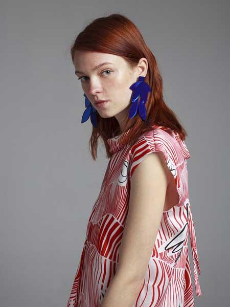 Moises Nieto国际品牌品牌2020春夏时尚彩色衬衣