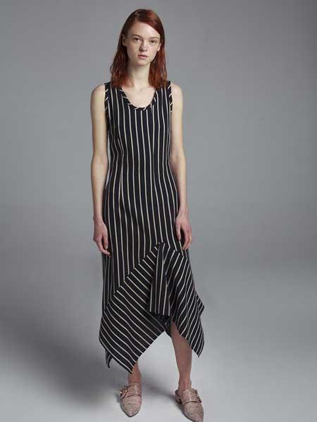 Moises Nieto国际品牌2020春夏条纹连衣裙