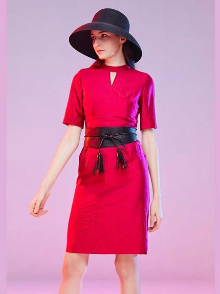 Mervyns 摩雯思女装品牌2020春夏新款纯色气质连衣裙