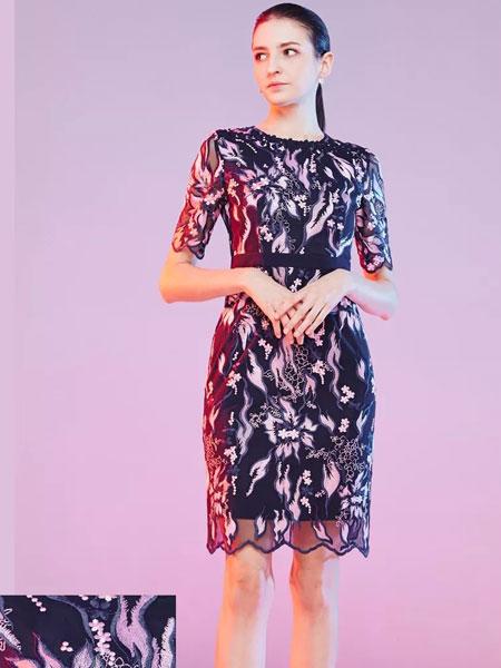 Mervyns 摩雯思女装品牌2020春夏新款纯色蕾丝绣花连衣裙