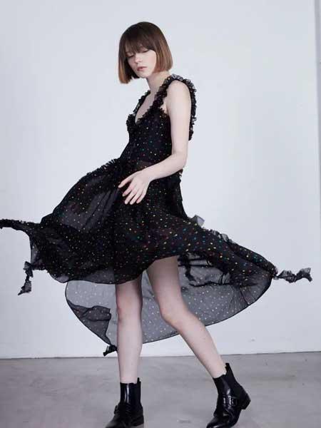 GRANDUCA女装女装品牌2020春夏新款纯色波点透纱吊带连衣裙