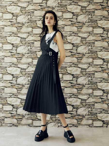 EVRIS国际品牌品牌2020春夏收腰清纯连衣裙
