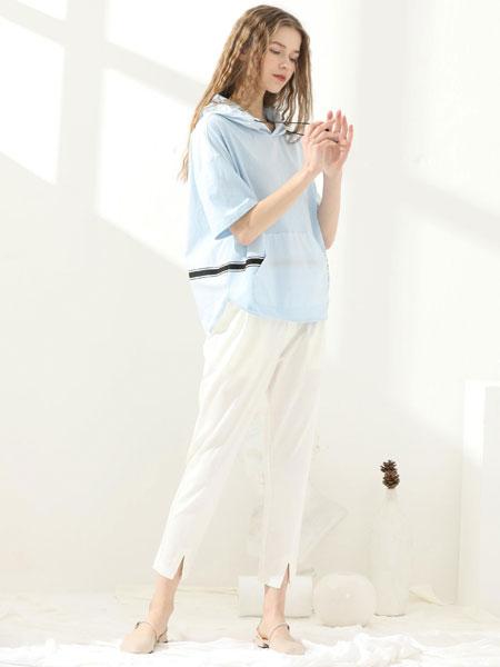 爱依莲女装品牌2020春夏新款纯色简洁气质短袖上衣