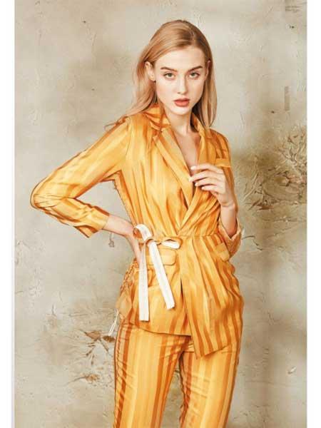 质萃女装品牌2020春夏丝绸女性套装