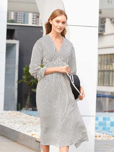 衣艾女装品牌2020春夏简约条纹连衣裙