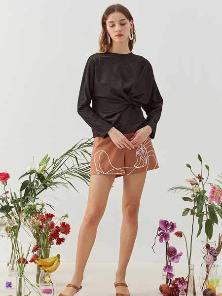 八月盛典女装品牌2020春夏女性设计感上衣