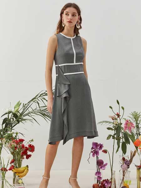 八月盛典女装品牌2020春夏修身无袖套装裙