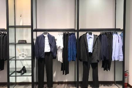 做服装生意,一手货源,男装加盟如何选?
