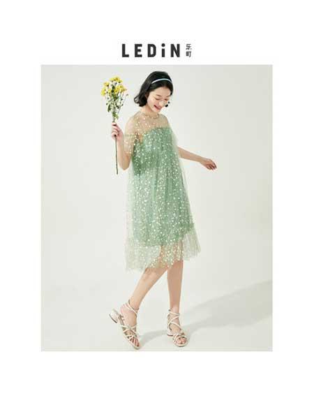 乐町女装品牌2020春夏刺绣连衣裙新款女装绣花连衣裙