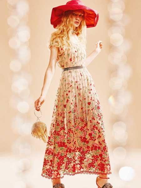 裘缇诺女装品牌2020春夏时尚长款碎花裙