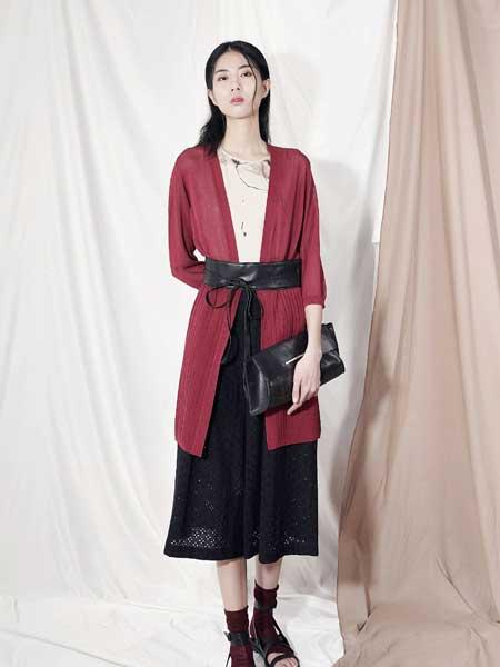 深圳设计师品牌加盟哪个 好,加盟底色女装品牌助力您创业