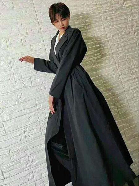 粤韵女装品牌2020春夏黑色华丽风衣式外套长裙