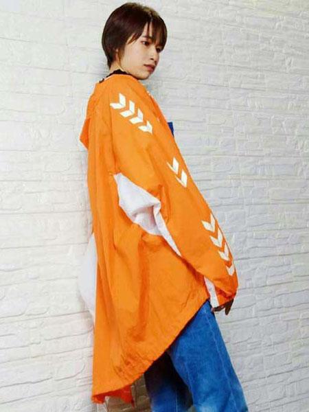 粤韵女装品牌2020春夏橙色外套
