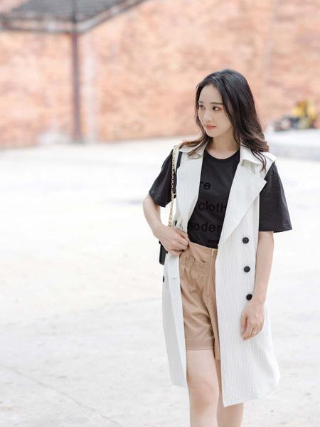 路尼裟女装品牌2020春夏白色无袖长外套