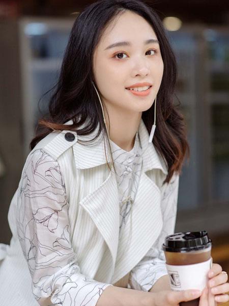 路尼裟女装品牌2020春夏白色连衣裙