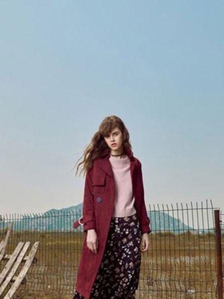 loomva洛米唯娅女装品牌2020春夏红色风衣