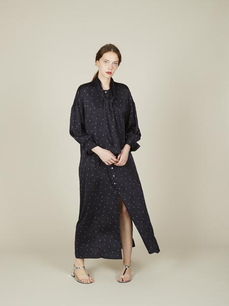 triaa国际品牌2020春夏波点雪纺连衣裙