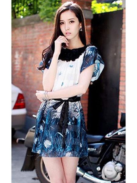 依兰慕语女装品牌2020春夏连衣短裙蓝花