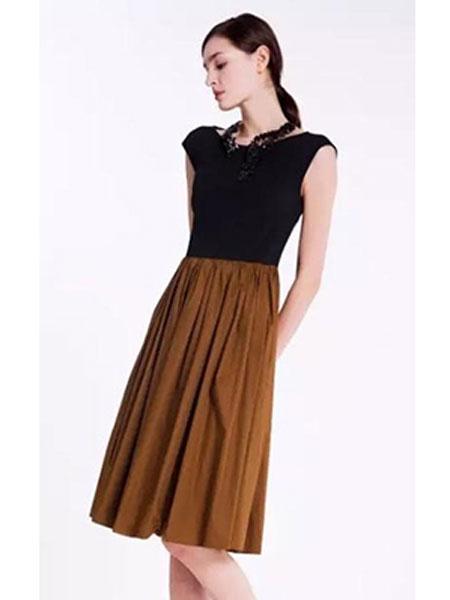 依兰慕语女装品牌2020春夏黑棕连衣裙