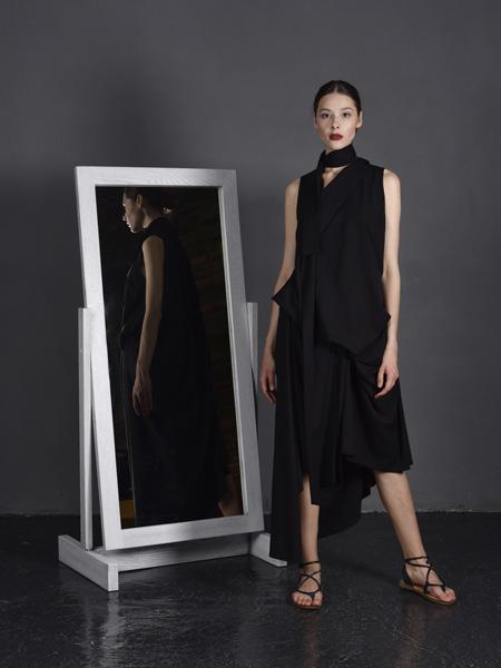 J perekriostova国际品牌2020春夏丝绸棉麻连衣裙