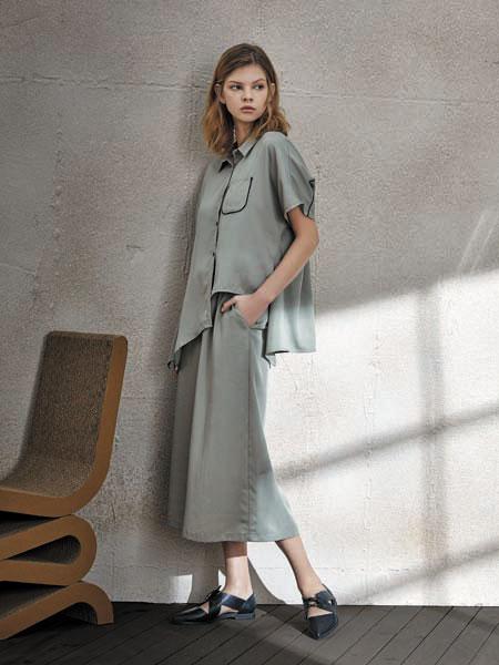南耳女装品牌2020春夏裙装休闲