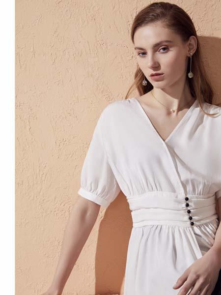 你即永恒女装品牌2020春夏收腰v领夏衣