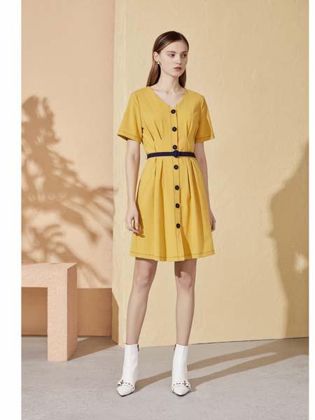 你即永恒女装品牌2020春夏带扣连衣裙