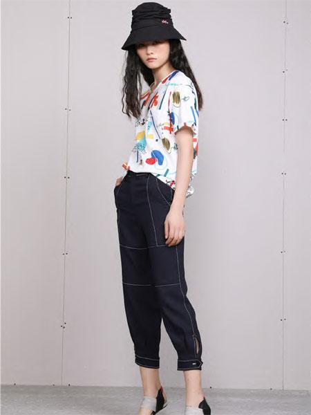 梵凯女装品牌2020春夏时尚涂鸦短袖