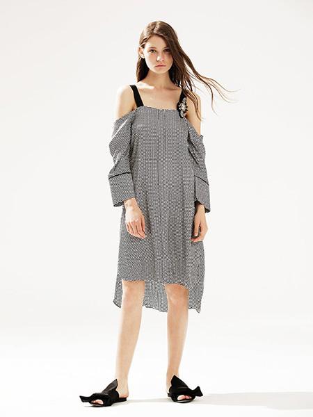 bccd女装品牌2020春夏宽松一字肩连衣裙