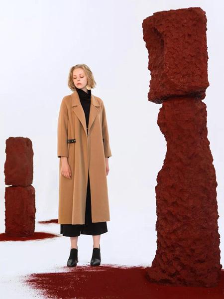 阳光里的汀兰女装品牌2019秋冬长款宽松毛呢大衣