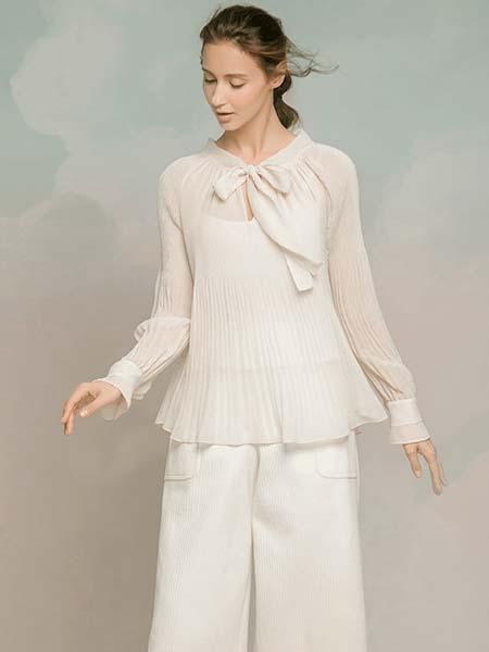 维格娜丝女装品牌2020春夏柔软雪纺长袖长裤套装