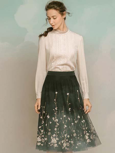 维格娜丝女装品牌2020春夏长袖针织衫