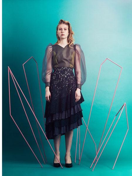Pameo Pose国际品牌蕾丝修身连衣裙