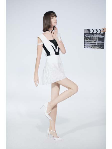 Victoria Wang国际品牌街头风潮流短裙