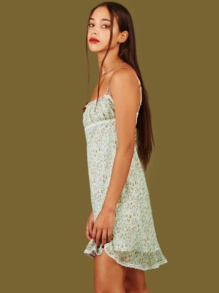 unif国际品牌品牌碎花吊带裙