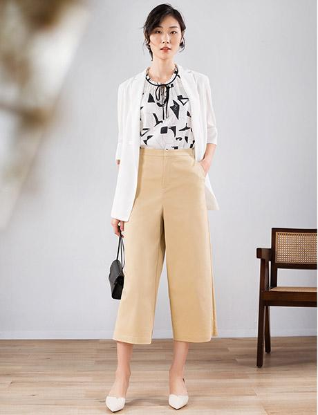 易菲女装品牌2020春夏白色外套
